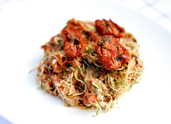 raw-vegan-zucchini-marinara-pasta-copy